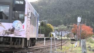 出張中のホテルのテレビで鉄道番組を見ていたら、自分で鉄道を撮影したくなってしまい、身近にあるのと鉄道のラッピング電車(花咲くいろは...