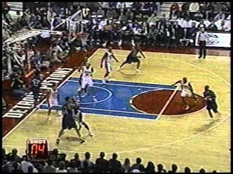 Ben Wallace - 11 Rebounds & 5 Blocks in First Half vs. Wizards (2001-02)