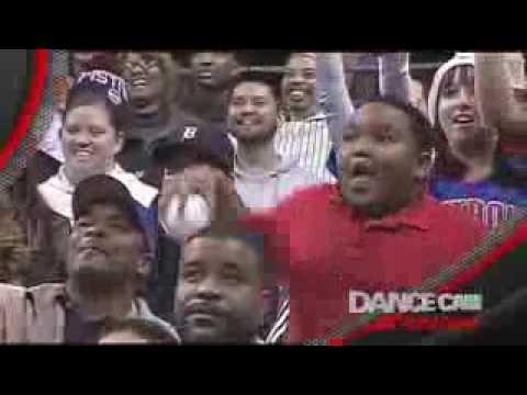 Pelea de Baile Nio Vs Acomodador de la NBA   Detroit Pistons Dance Cambajaryoutube com