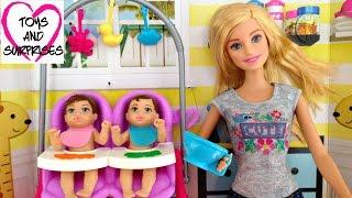 Фото Барби Няня и малыши Купаем кукол пупсиков в ванночке Barbie Baby Sitter Baby Dolls Bathtime