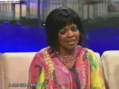 Twinkie Clark Interview with CeCe Winans (TBN 2011)
