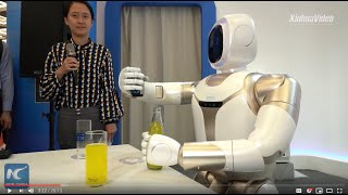 Cutting-edge robots showcased at World Robot Conference in Beijing