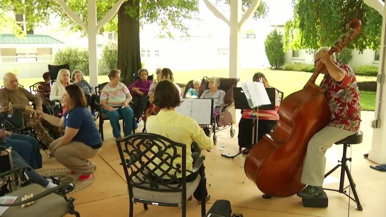 Music Therapy Helps Dementia Patients Youtube