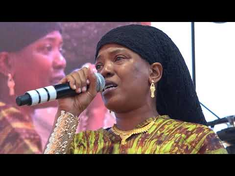 Dezarie with Ron Benjamin and Band Reggae on the River August 6 2017 whole show
