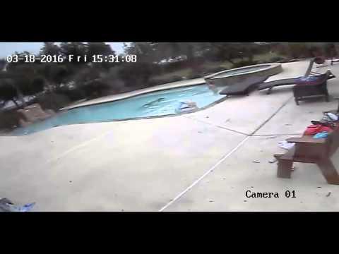 Una nena de 5 años salvó a su madre de morir ahogada en la pileta de su casa