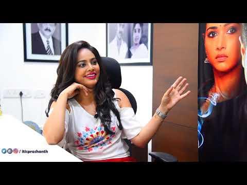 """"""" வெறும் 50 ரூவாய்க்கு பெட்ரோல் போட்டிட்டு ஆடிசன் போனேன் """" Nanditha Swetha opens up!"""