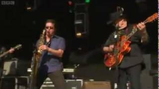 Duane Eddy - The Theme from Peter Gunn Glastonbury 2011