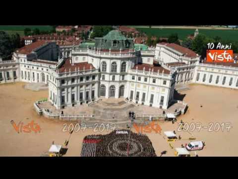 La più grande macchina fotografica del mondo, battuto il Guiness dei Primati a Torino