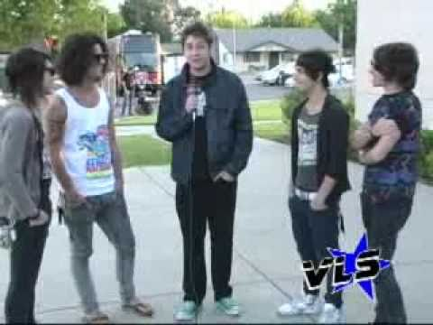 VLS: Cash Cash Interview #1 (2009)