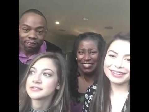 CHAT LIVE Di Miranda Cosgrove Insieme Al Cast Di CROWDED!