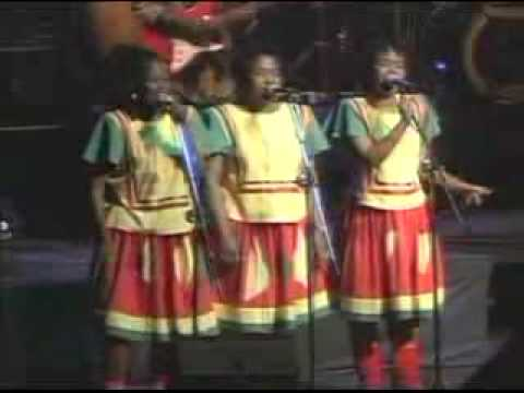 lucky-dube-back-to-my-roots-live