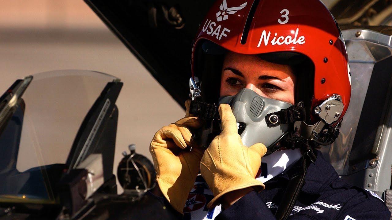 first female thunderbird pilot us air force youtube