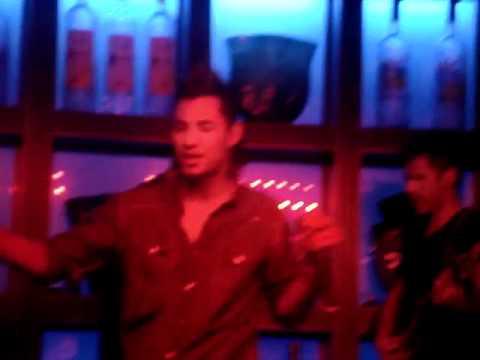 Anthony Galindo el Papijoe En Blue Martini