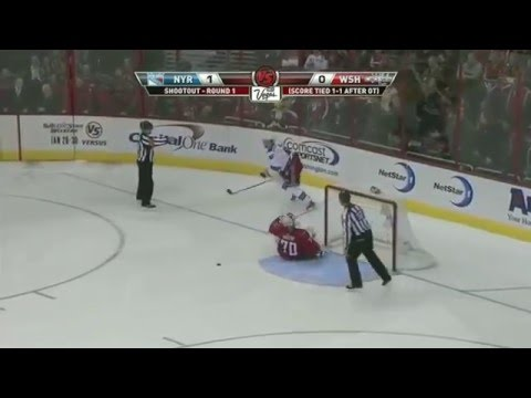Wojtek Wolski one-handed shootout goal | 01/24/2011 [HD]