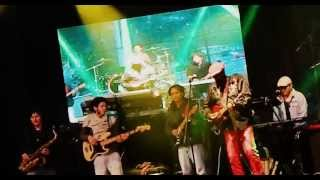 Reggae Camp Quito 2013 - Calton Coffie - Rock With You [HD]