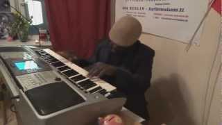 "DONALD KENWOOD "" DON "" aus Curacao am Piano in Wiesbaden"