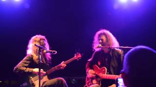 Fred and Toody Cole play Ring of Fire in Vera Groningen on Dec. 18th, 2013 (only part of the song)