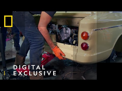 Fixing The Engine Of A 1973 Hillman Imp | Car S.O.S | National Geographic UK