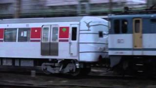 9882レ 新鶴見機関区EF65牽引 都営大江戸線12-600形甲種輸送 元総持寺踏切通過