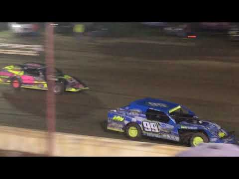 Modifieds Feature Terre Haute Action Track 10/13/18