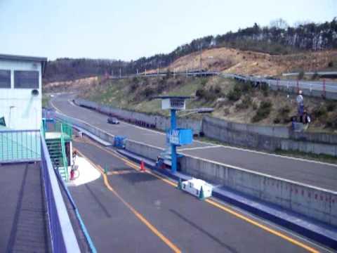 Turbo Charged Daihatsu Hijet Racing in Japan