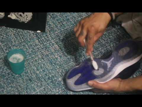 HOW TO CLEAN THE BOTTOMS OF SPACEJAM 11'S WITH THE BASICS