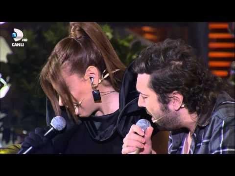 Halil Sezai & Linet - Duman İsyan Düet (Beyaz Show 2013) HD