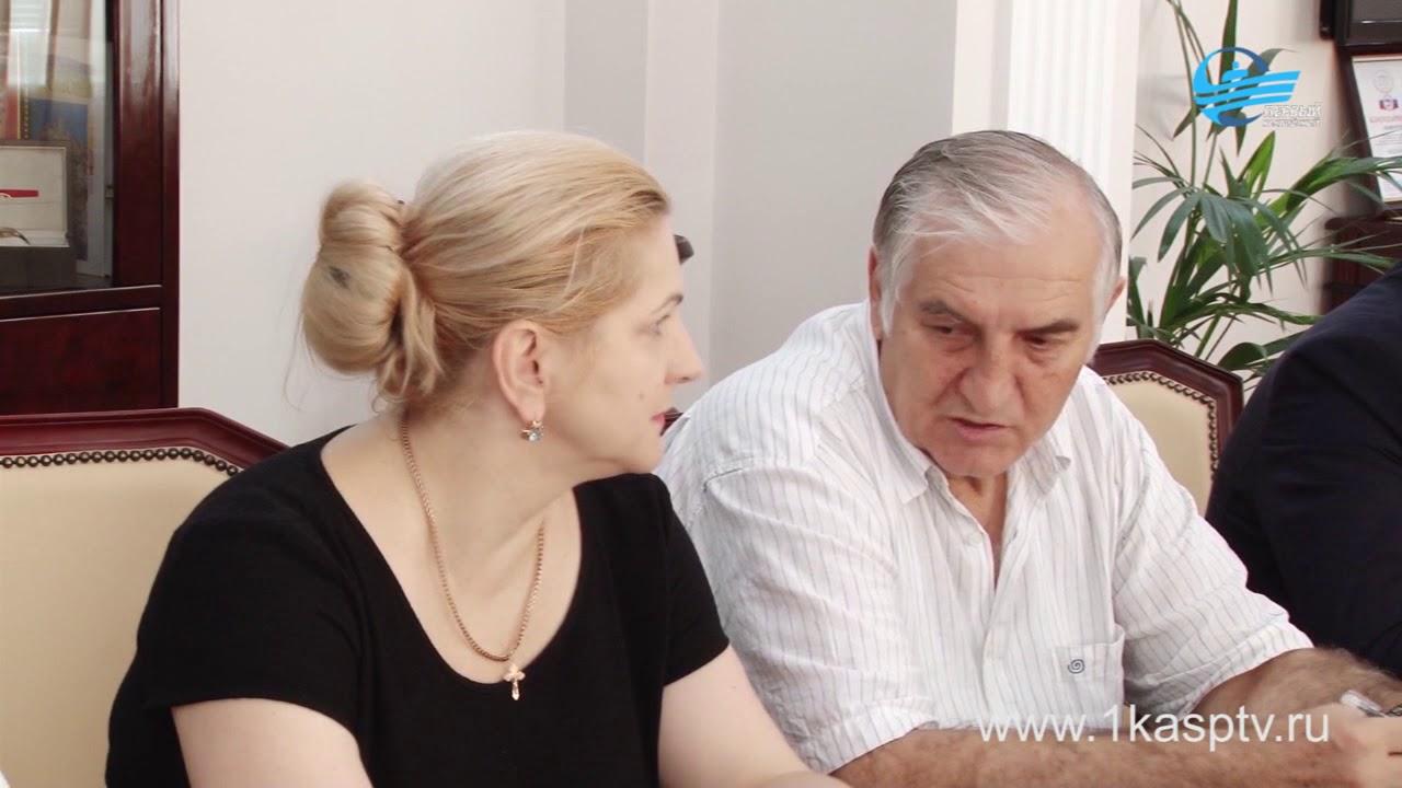 Первый заместитель председателя правительства РД Рамазан Алиев провел выездной приём граждан 30 июня в администрации г.Каспийска