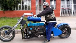 Moto con motor falcon