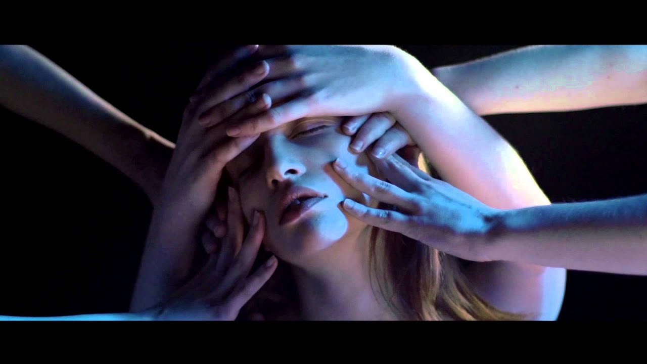 snow-ghosts-circles-out-of-salt-official-video-houndstooth