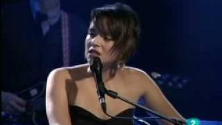 CHASING PIRATES ~ Norah Jones live at Ancienne Belgium 2010 ~