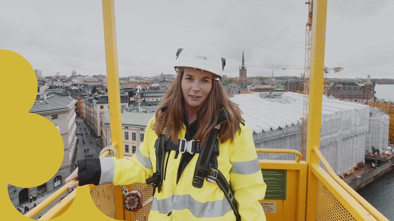 Fastighetsstrateg Åsa Albihn visar renoveringen av ledamotshuset