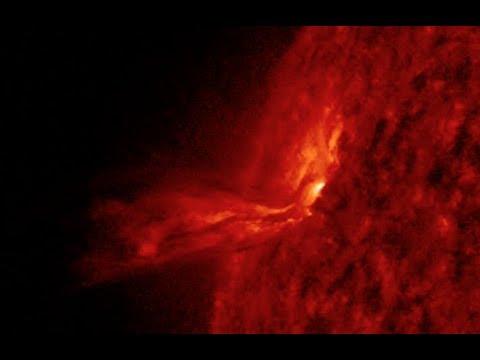 Solar Flares Erupting, M6.9 Quake | S0 News Mar.30.2018