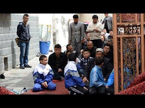 HRW: Кытайда уйгурлар жапа чегүүдө