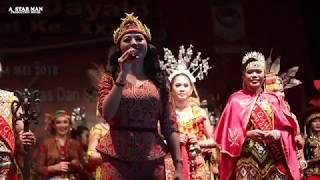 HEBOH !! PENONTON HISTERIS dengar SUARA MERDU dr. Karolin Margret Natasa di Gawai Dayak 2018