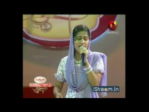 SURUMI SINGS 'UNDU SAKHEE' IN PATTURUMAAL