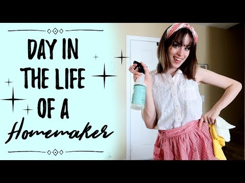 HOMEMAKER MOTIVATION VLOG! Christmas Decor Shopping, Cleaning, & Cooking Dinner! Day in the Life!