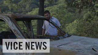 蜂の巣にされた山村 エル・チャポ狩りの犠牲者たち
