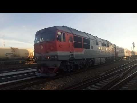 ТЭП70-0349 со скорым поездом №86 Климов - Москва на станции Унеча.