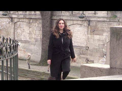 EXCLUSIVE - Kelly Brook shooting scenes in Paris City Center