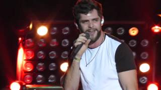 "Thomas Rhett - ""Vacation"" Live 2015 WI"