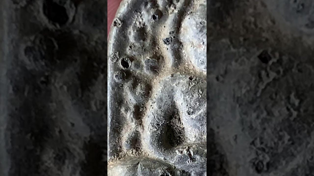 พระซุ้มกอ กรุวัดบรมธาตุ กำแพงเพชร ประมาณ 800 ปี