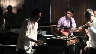 Glenn Fredly ft. Indra Lesmana - Mobil Balap @ Mostly Jazz 03/12/11 [HD]