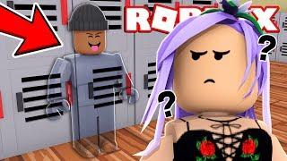 *NEW* BEST HIDE & SEEK GAME IN ROBLOX