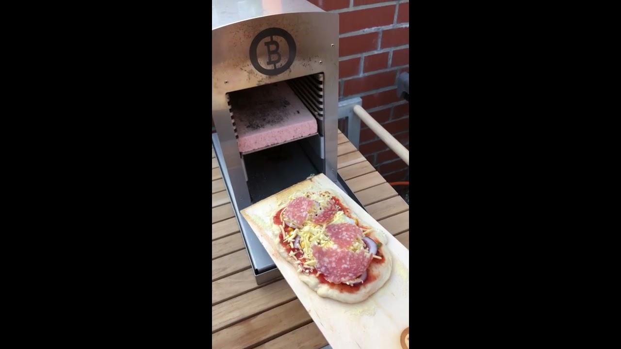 Pizzastein Aldi Anleitung Gasgrill : Höllische 60 sekunden pizza vom oberhitzegrill beefer one pro mit