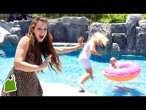 swimming-pool-wedding-dress-prank!!