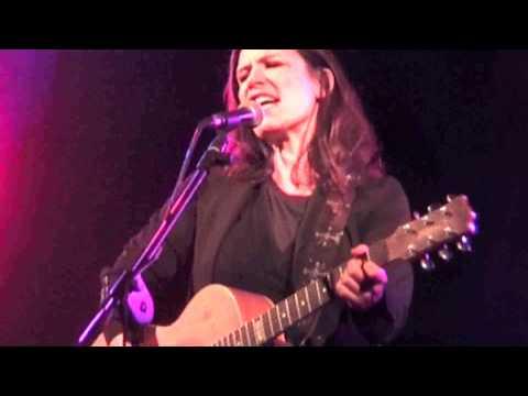 Paola Turci canta in romanesco