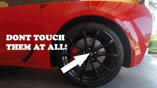 How to wash a Corvettes high-end wheels without touching or scratching them