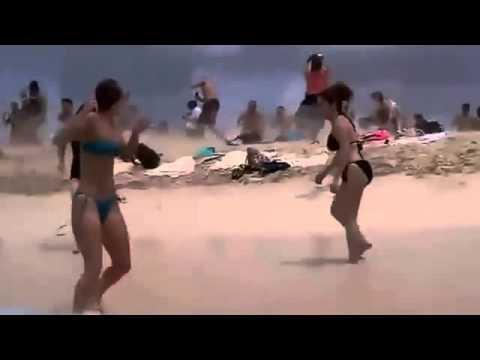 Прикол на пляже смотреть онлайн бесплатно — хорошее