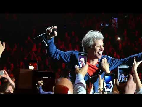 """Bed of Roses (Jon Sings in Crowd)"" Bon Jovi@PPL Center Allentown, PA 5/2/18"